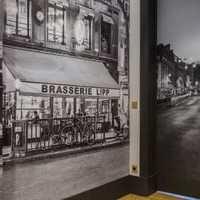 要貼磚了客廳地磚是設計師指定的馬克波羅過道背景...