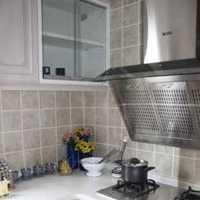 长方形半开放式厨房装修效果图