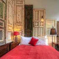 现代三居粉色系面卧室装修效果图