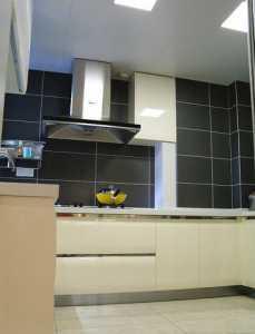 70平米三阳厨房与客厅装修效果图