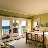现代三室二厅房屋卧室窗帘装修效果图