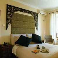 卧室背景墙头柜壁纸主卧室装修效果图