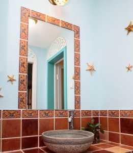 浴室里用什么样的凳子!