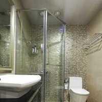 二居现代卫生间收纳墙面装修效果图