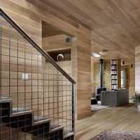 白色墙面简洁四居楼梯装修效果图