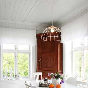客厅与阳台珠帘隔断
