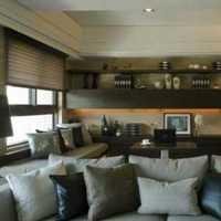 您好占地面积135平米两层或两层半的别墅设计图