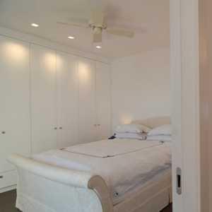 两室两厅装修,白色简约厨房吧台装修效果图