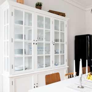 以厨房为重心的79平方米瑞典一居室公寓设计