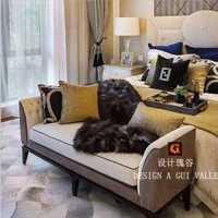 美式家庭客厅沙发背景墙挂画效果图