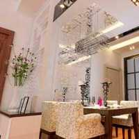 152平方房子简装修地面粉墙门和卫生间大