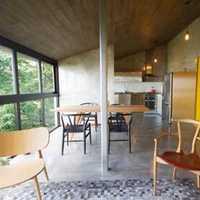 的房子是三室一厅一卫一厨房102平米框架结构