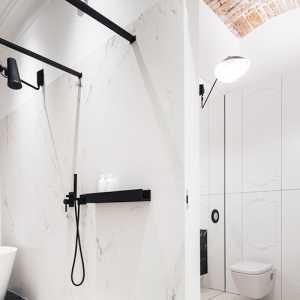 硬派与柔美兼具!波兰工业风混搭轻古典公寓