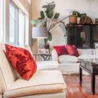 客厅背景墙茶几沙发灯具装修效果图