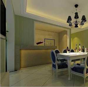 向在线的资深的室内装修设计师求助套房的房间木门