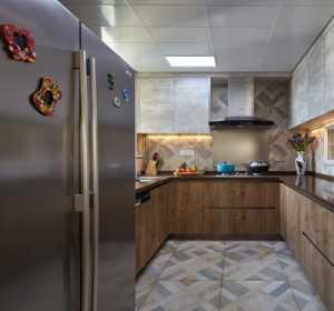 厨房边厨柜