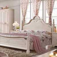 博古架卧室现代实木装修效果图