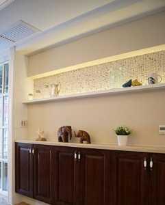 交换空间泰式风格客厅沙发背景墙效果图