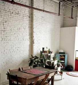 根据《建设工程工程量清单计价规范》,装饰装修工程中的油漆...