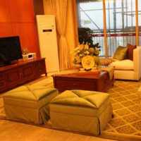 80平米蓝色客厅沙发装修效果图