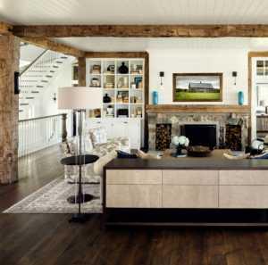 大量使用木质材料的美式别墅