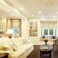 客厅沙发木质挂画背景墙装修效果图