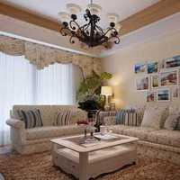 别墅客厅茶几罗马柱装修效果图