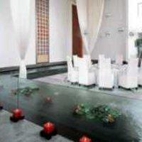 上海草场地装饰公司