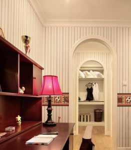 沙发后背墙装饰