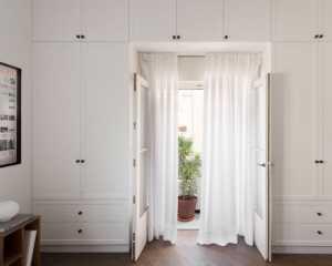 卧室隔墙是邻居的厨房