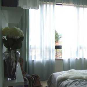 小卧室楼梯床