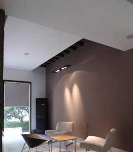 110平的旧房重新刷墙费用