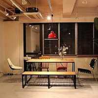 客廳墻上木質置物架效果圖