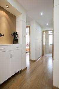 客厅木板置物架