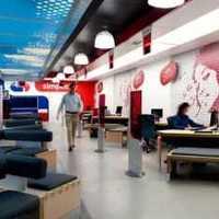 140平米三室两厅两卫装修深色地板搭配