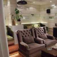 简欧复式跃层起居室白色装修效果图