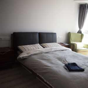 经济型灯具沙发北欧装修效果图