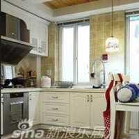 春色系欧式家庭厨房装修效果图