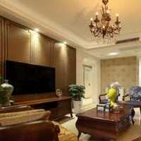 二居客厅隔断茶几水晶灯装修效果图