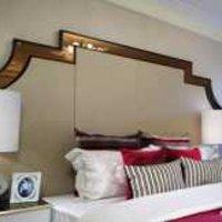 古朴宽敞的客厅彩绘墙效果图