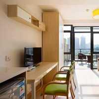 四室两厅的一百平米房子装修得多少钱最起码要中上水平的大