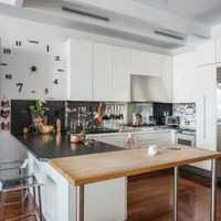 简约厨房隐形门楼梯装修效果图